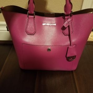 MK Medium Pink